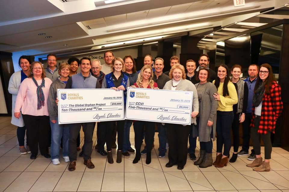 Kansas City Royals surprise $10,000 donation